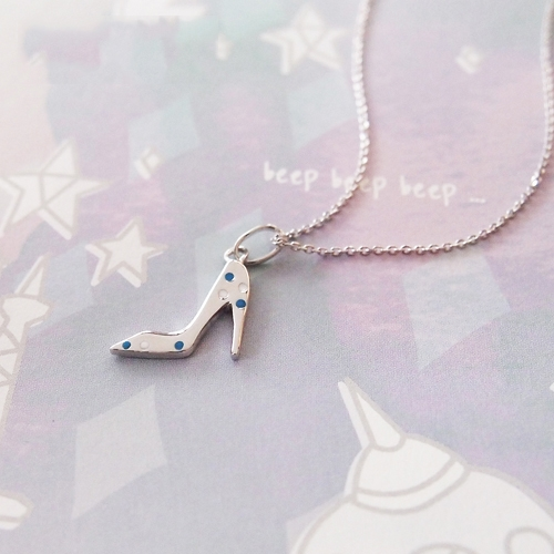 Elegant Mini High Heeled Shoes Pendant in Sterling Silver Necklace